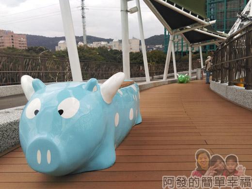 兒童新樂園73-3F-天空步道III-飛天豬.jpg