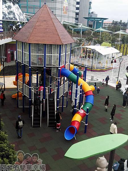 兒童新樂園74-3F-天空步道V-步道上的景觀.jpg