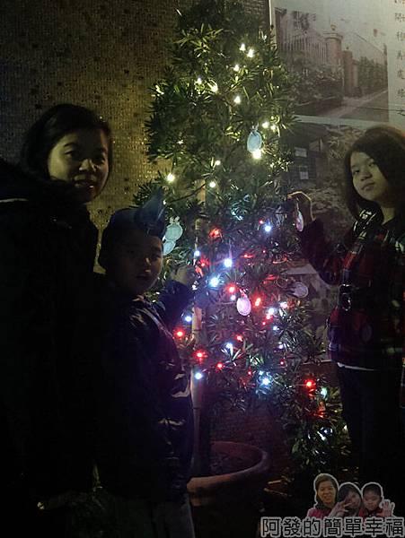 吉慶里聖誕巷11-許願卡樹
