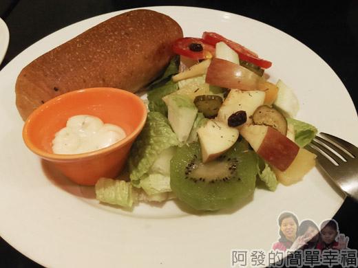 米妲咖啡09-米妲套餐-水果沙拉n手工麵包
