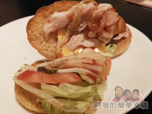 米妲咖啡24-百里香燻雞堡(手工麵包)-內餡