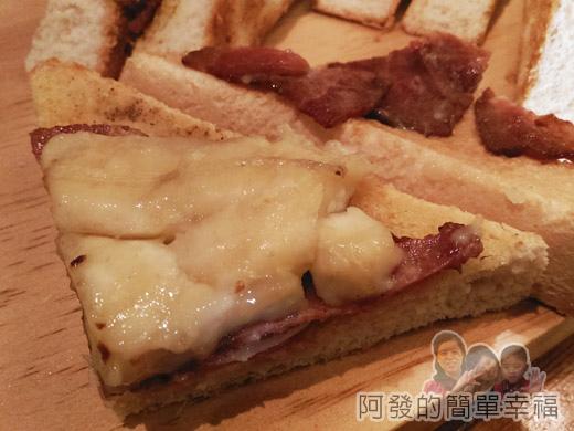 小廚房創意早午餐18-全麥三明治-黑貓先生三明治內餡