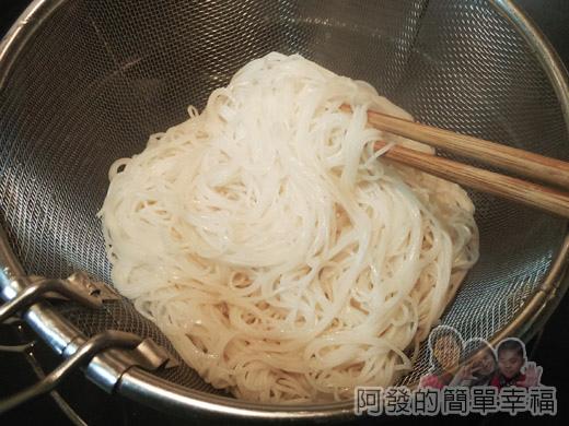 麻油雞麵線08-煮麵線