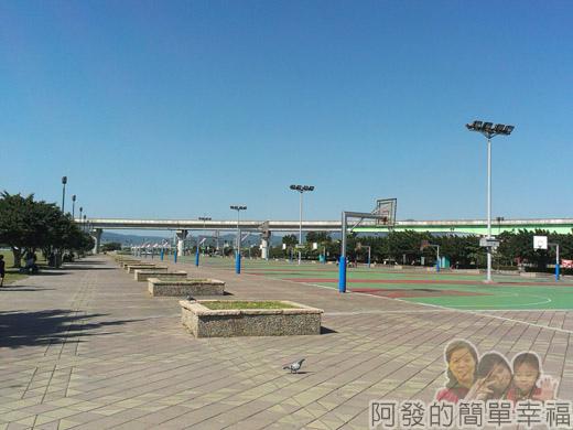 大臺北都會公園II05-疏洪親水公園-籃球場.jpg