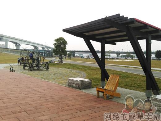 大臺北都會公園II28-幸福水漾公園-涼亭與南瓜馬車.jpg