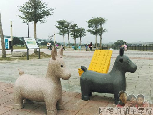 大臺北都會公園II38-幸福水漾公園-中央廣場.jpg