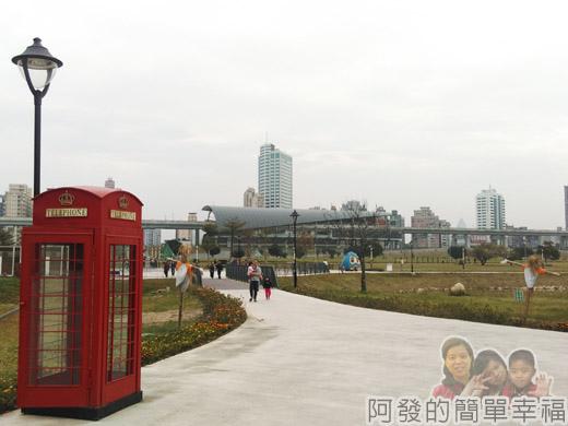 大臺北都會公園II46-幸福水漾公園-中央表演廣場.jpg