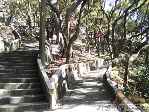 壽山巖觀音寺17-壽山岩公園階梯與步道