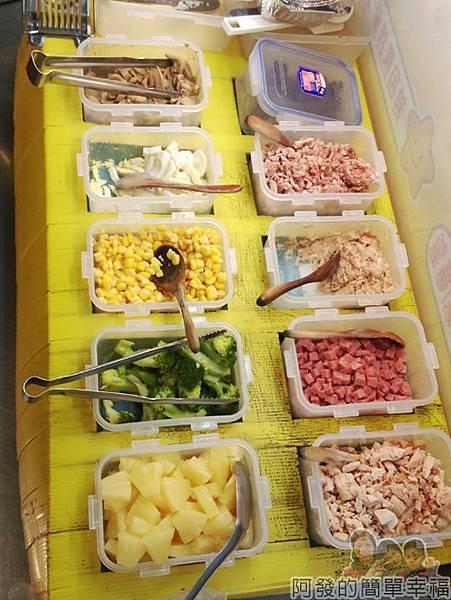 饒河夜市04-焗烤薯薯-配料