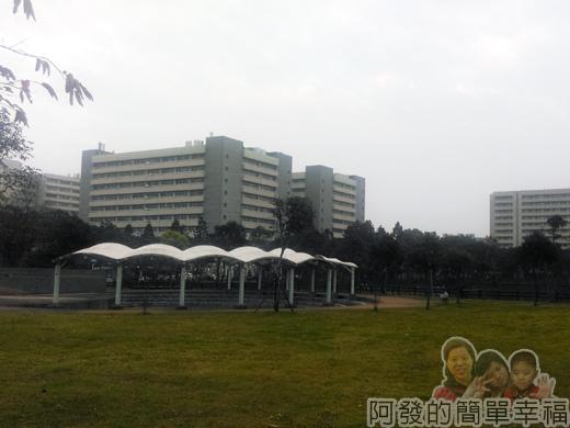 林口文化公園夜市02-長庚湖與長庚醫院