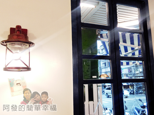 亞米洛複合式早午餐10-窗與燈