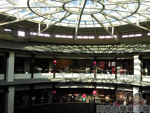 客家圓樓42-3F-圓樓內部的建築設計融合傳統與現代