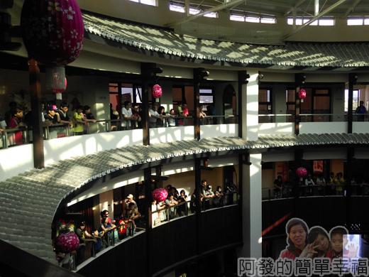 客家圓樓44-3F-2~3樓看戲的人們