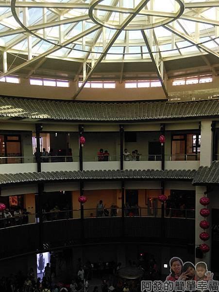 客家圓樓45-3F-各層看戲的人們