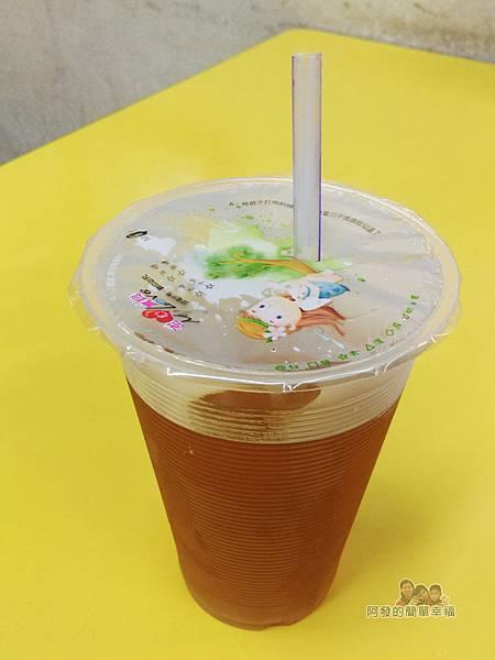 士林夜市-王青草茶07-茅根綠茶