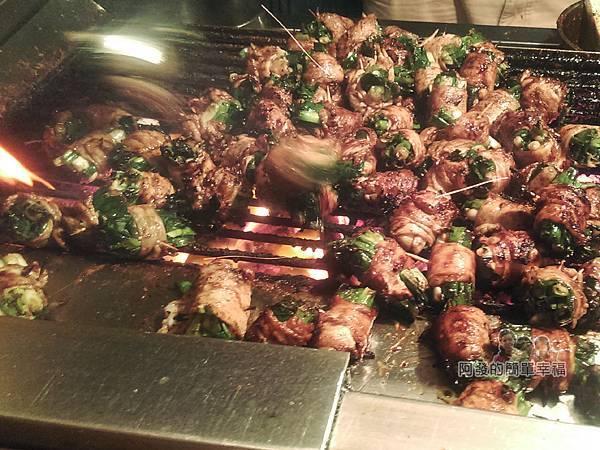 士林夜市-蕭記碳烤肉捲04-真正碳火烤肉串