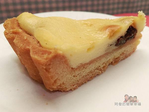 派特小姐13-舒芙蕾乳酪切片外觀