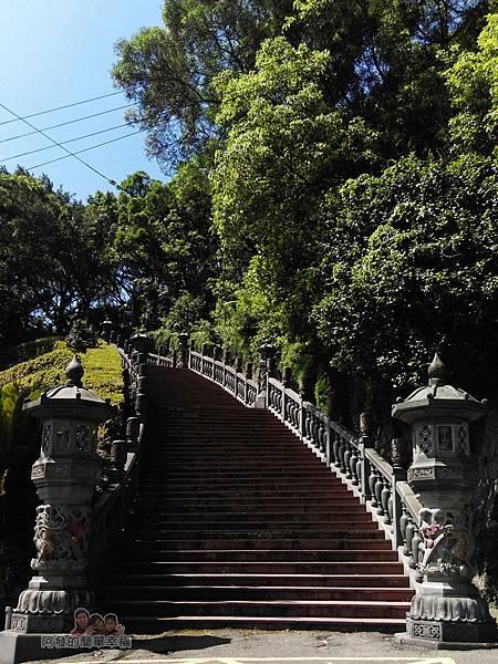 內湖-碧山巖03-往開漳聖王廟的石階