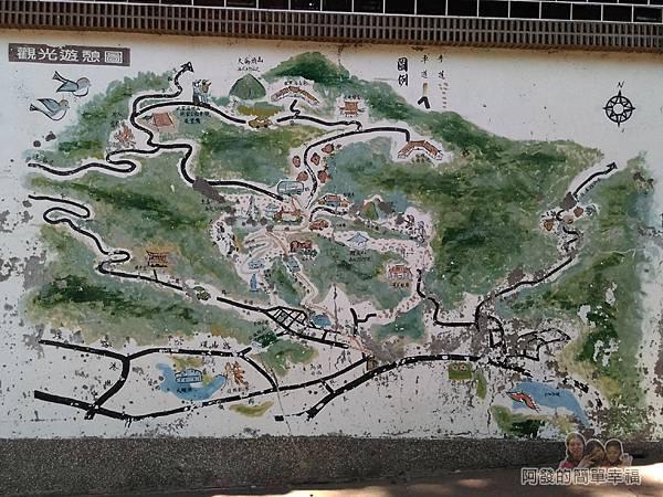 內湖-碧山巖14-石牆上斑駁的觀光遊憩圖