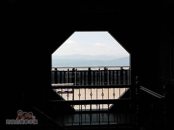 內湖-碧山巖19-往廟外觀景台