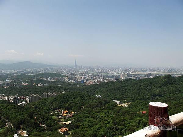 內湖-碧山巖21-鳥瞰台北市風情