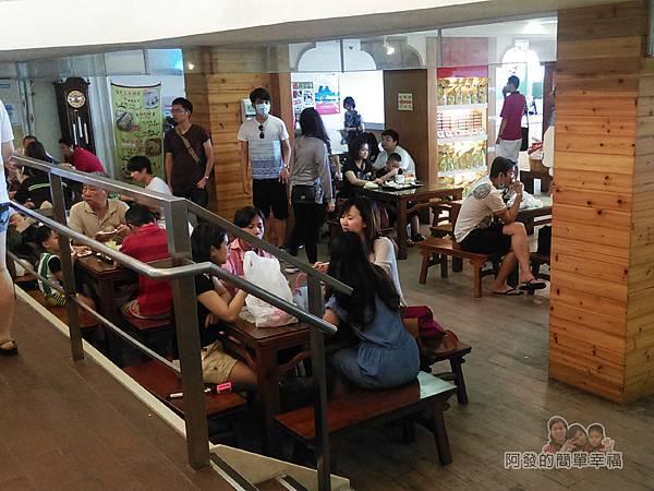 劉家肉粽10-1樓用餐區