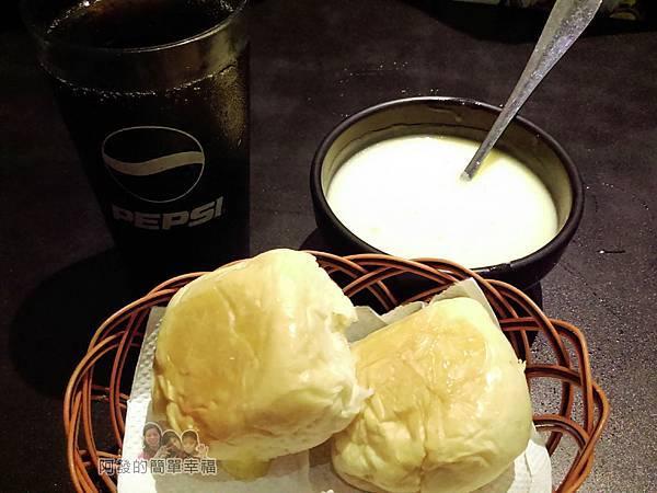 小惡魔炭燒牛排12-飲料玉米濃湯餐包