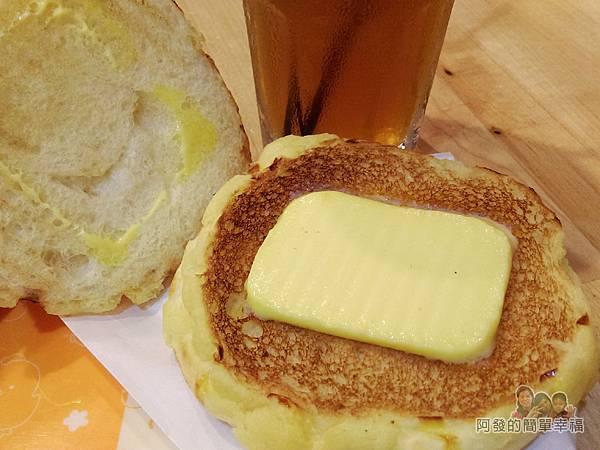 向陽晨間飲食館28-冰火菠蘿包-冰_鹹奶油