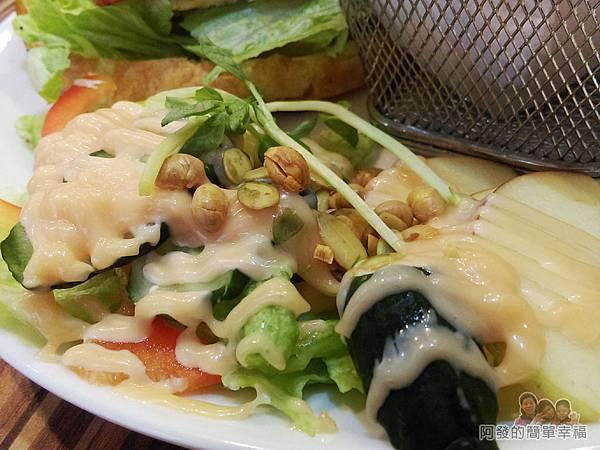向陽晨間飲食館16-可頌組合套餐-蔬果沙拉