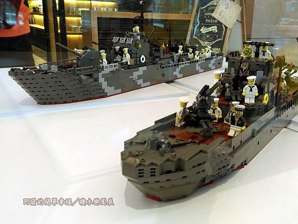 積木樂園展25-A棟1F-重裝任務展區-二戰德軍艦艇展櫃-何承恩