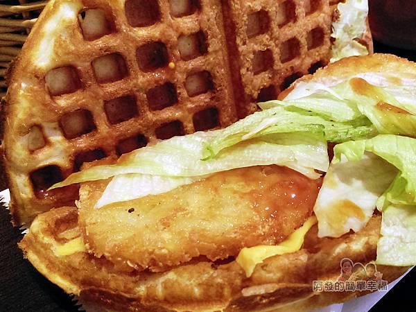 小木屋鬆餅17-薯餅起司蔬菜食材