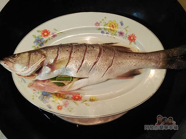 清蒸梅子鱸魚06-蒸魚7分鐘