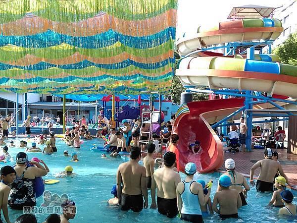 前港游泳池09-滑水道