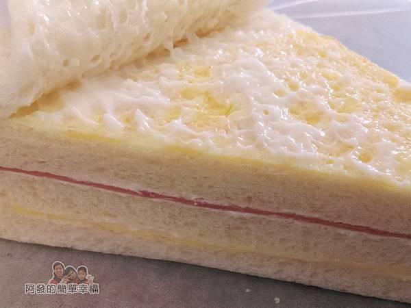 洪瑞珍三明治專賣店12-招牌三明治-蛋片與奶油