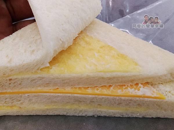 洪瑞珍三明治專賣店17-起司三明治-特寫