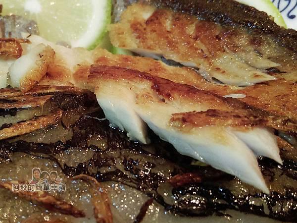 香煎虱目魚肚11-魚肉特寫