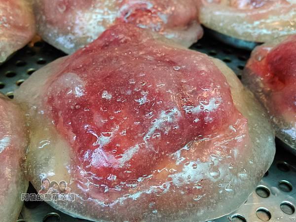 金枝紅糟肉圓09-半成品的紅糟肉圓特寫