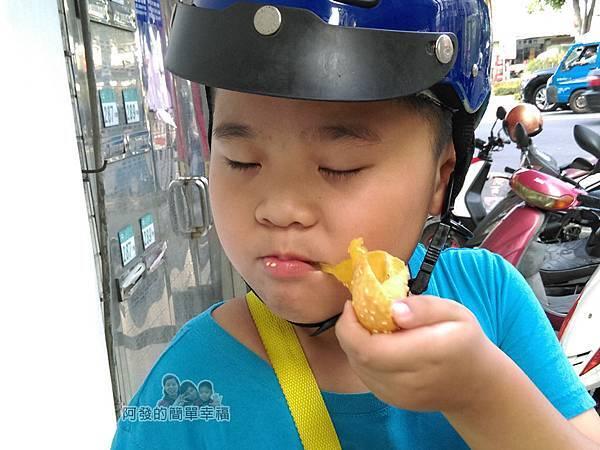 QQ蛋芝麻球14-兒子很享受的表情