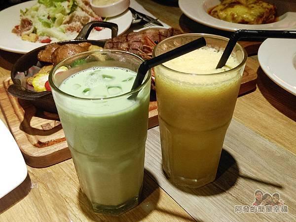 BAKERY49-31-抹茶牛奶與鳳梨汁