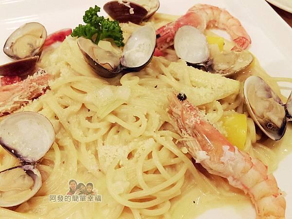 絆22-白醬海鮮義大利麵.jpg