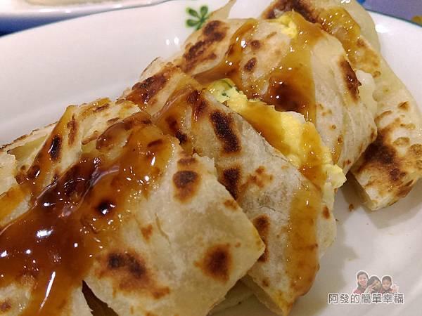 2個蛋早餐15-薯泥起司酥脆蛋餅-外觀十分酥脆