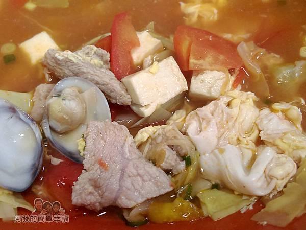 珍珍小館14-豐富兼具營養的湯料