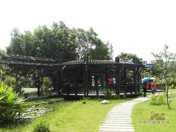 山腳國小13-一旁的生態池區