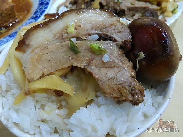 嘉味仙麻油雞腿庫飯19-真是美味的腿庫肉飯