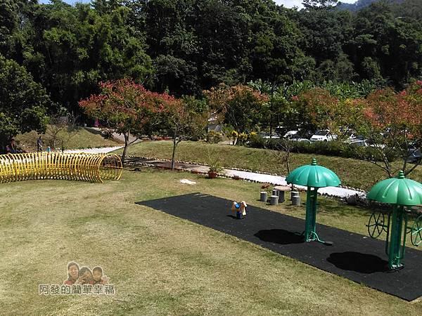 汶水老街-汶水茶壽04-停車場旁的小公園