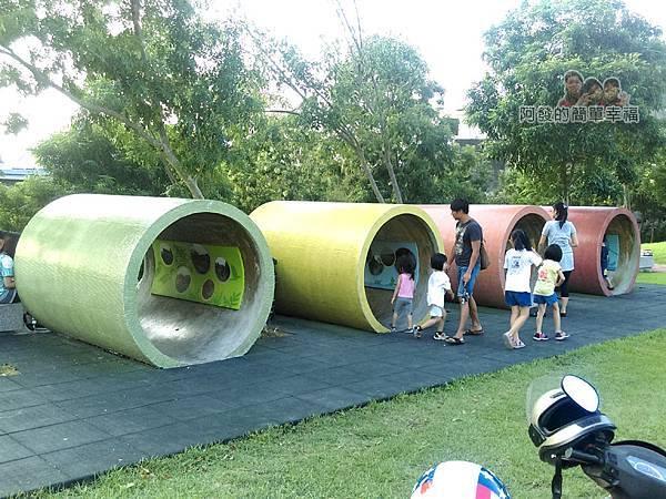 河川教育中心園區19-彩色大水管溜滑梯-再來一次