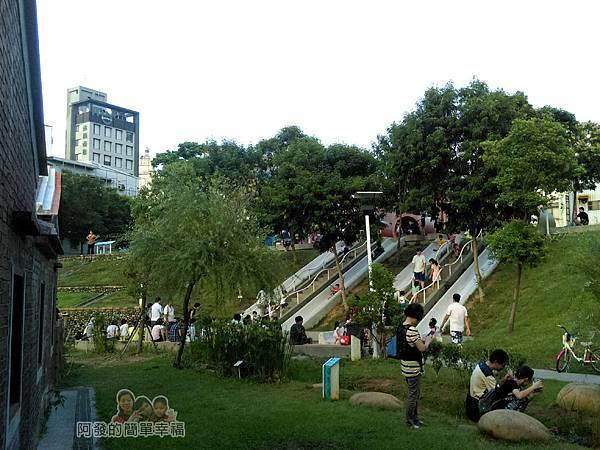 河川教育中心園區30-彩色大水管溜滑梯-充滿了開心的歡笑聲