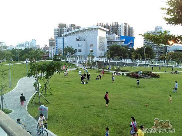 新勢公園05-桃園市南區青少年活動中心n空中慢跑步道
