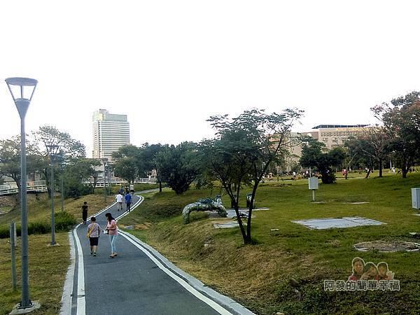 新勢公園09-老街溪旁步道