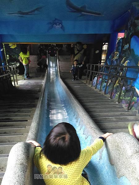 濂洞國小20-俯視溜滑梯高度